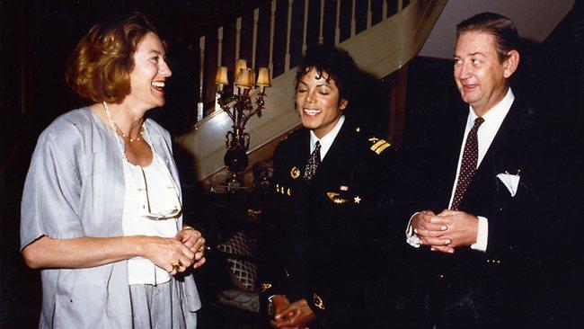 Robert Holmes à Court, rivela il suo incontro con MJ per la vendita del catalogo dei Beatles 753928-michael-jackson-robert-holmes-a-court-janet-holmes-a-court