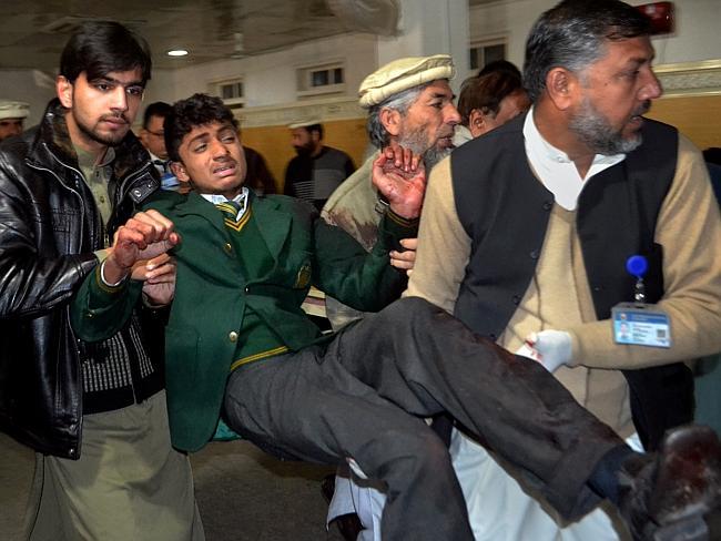 பாகிஸ்தான் பள்ளியில் பயங்கரவாத தாக்குதலுக்கு 132 குழந்தைகள் பலி 713504-ad00a2f2-8506-11e4-917d-bf0f063a4996