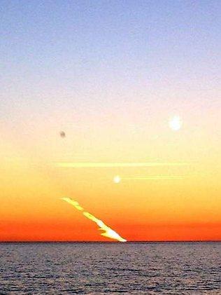 Un australien photographie la chute d'une météorite ? 307833-meteor-in-perth-sky