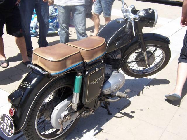 Les motos Balkan 946865_524136730981901_132403775_n