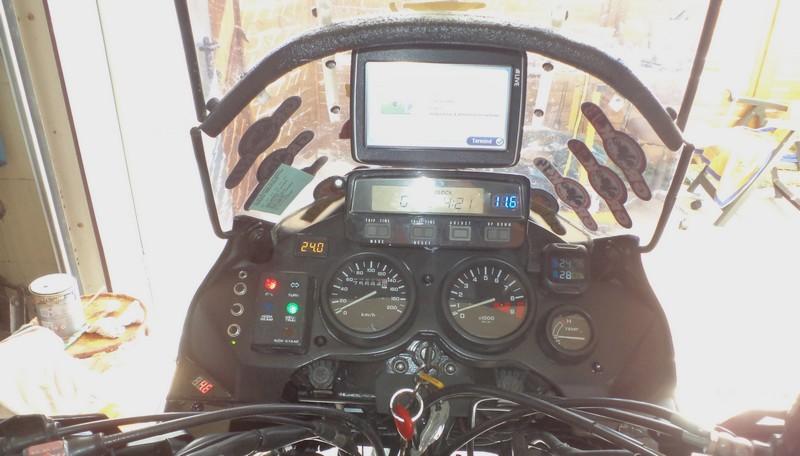 Rigidificateur de tête de fourche XRV 750 DSC01176
