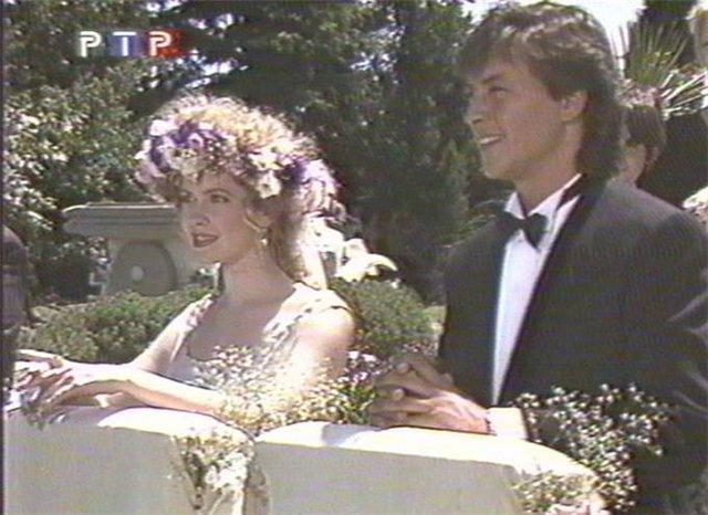 Свадьбы в сериалах 8057a84258b3