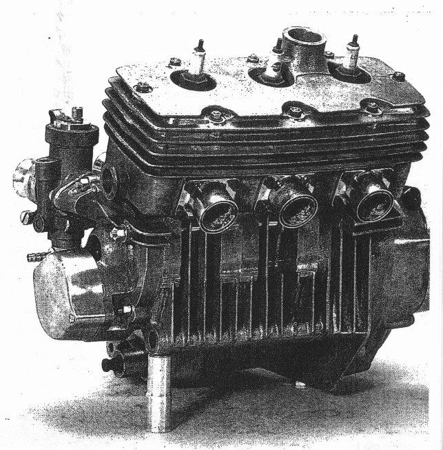 le moteur de la 125 tricylindres 3cylmz