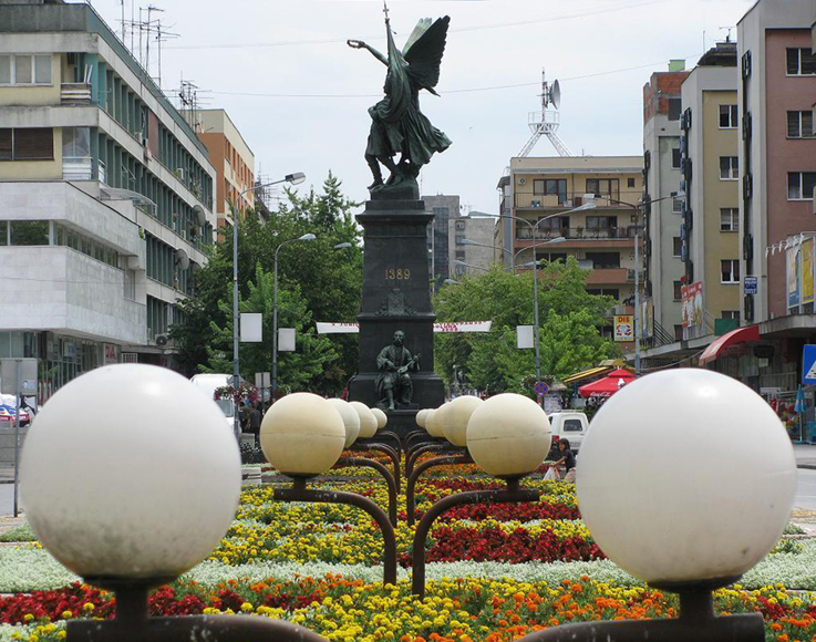Srpsko vajarstvo Djordje_Jovanovic_-_Spomenik_Kosovskim_junacima_Krusevac_1910