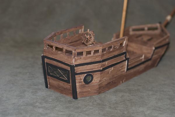 Pirate ship HELP 495280439_CQ5nF-M