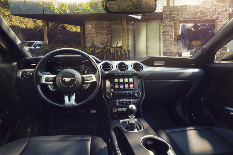 2014 - [Ford] Mustang VII - Page 14 Gallery-1484594417-new-ford-mustang-interior
