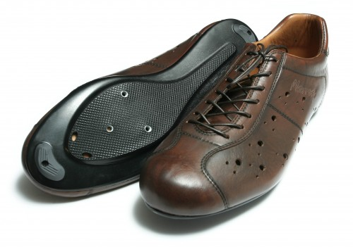 Chaussure en cuir avec système de fixation automatique Dromarti%20Race%20shoes.preview_500