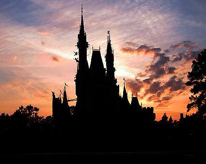 Photos des Parcs Disney américains : des liens de qualité MK-CastleSilohuette.425