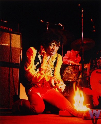 Live At Monterey (2007) Jimi-hendrix-monterey-pop-festival-june-17-19671