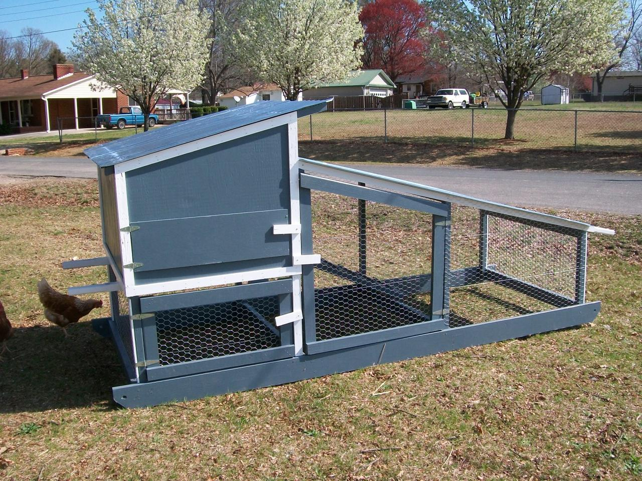Anybody wanna see my new chicken tractor? Chicken_tractor_b1.254104950_large