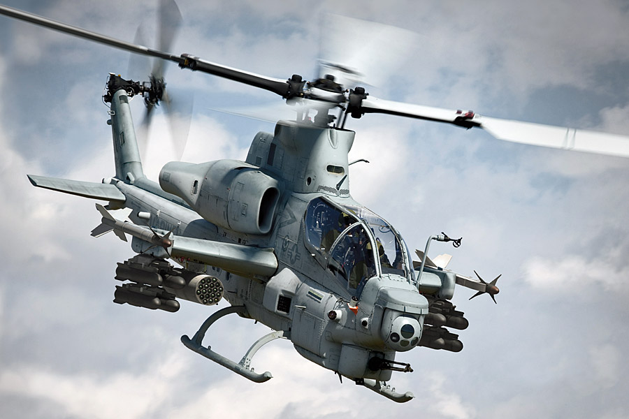 Ay! Ay! Amore?! Ah-1z-viper-helicopter-01