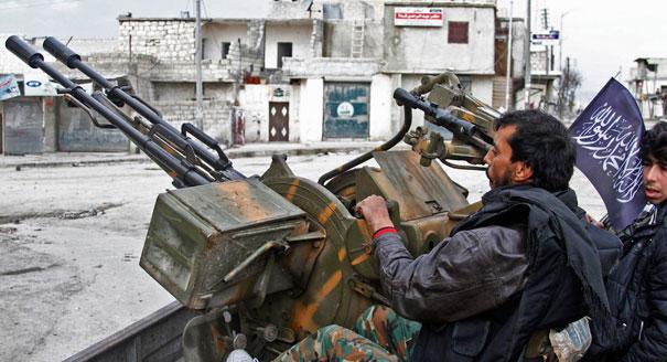 forces rebelles - Page 2 Syria_fighting_gun_ap_328