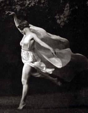 Стихия танца, стихия любви..... Isadora_Duncan3