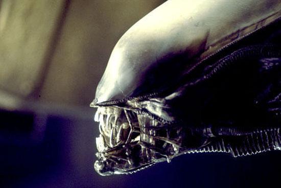 Part 14 / 5 Alien1