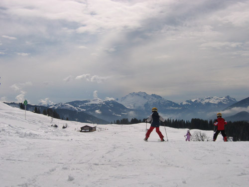 Le Printemps au Grand Bornand Gamins