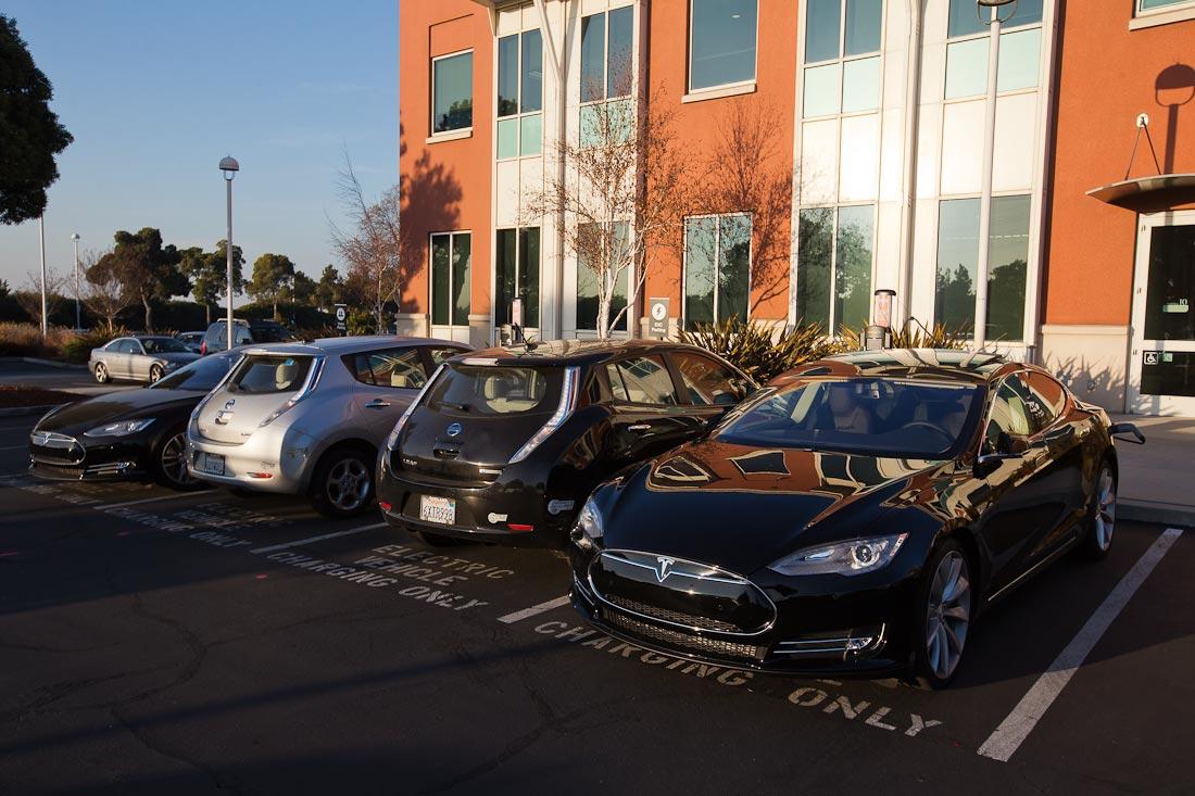 Как работает автомобиль Tesla  3af49673051c24c8ac5141fd9e32ba00