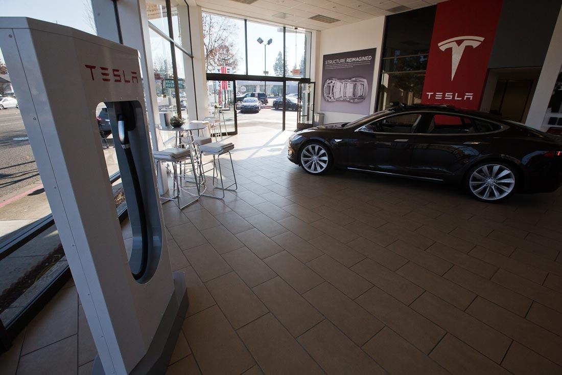 Как работает автомобиль Tesla  556756eb8991676ecd643d454102b505