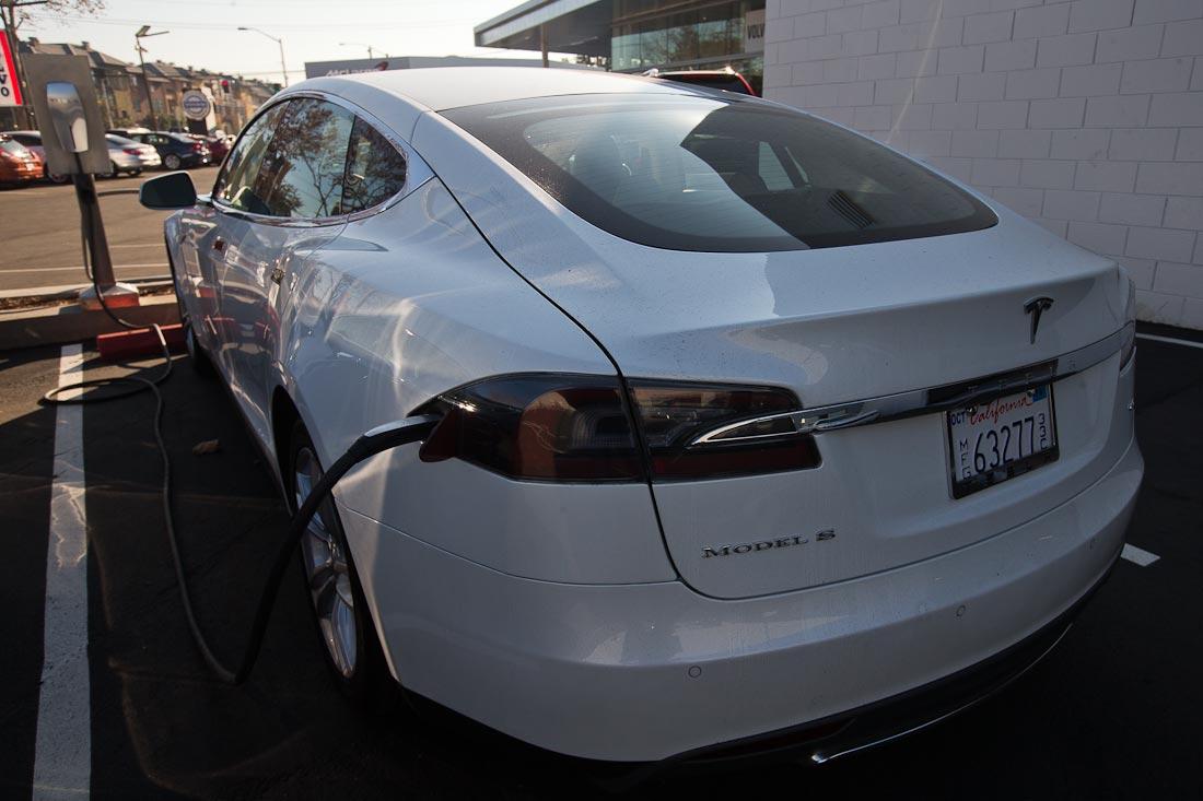 Как работает автомобиль Tesla  5bb5adcd7411c418722e16d2117a88b0