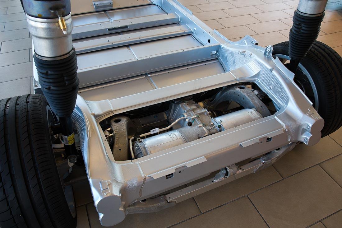 Как работает автомобиль Tesla  Eff85811bfe3f4f6cb3dbcd8ad7cfbf0