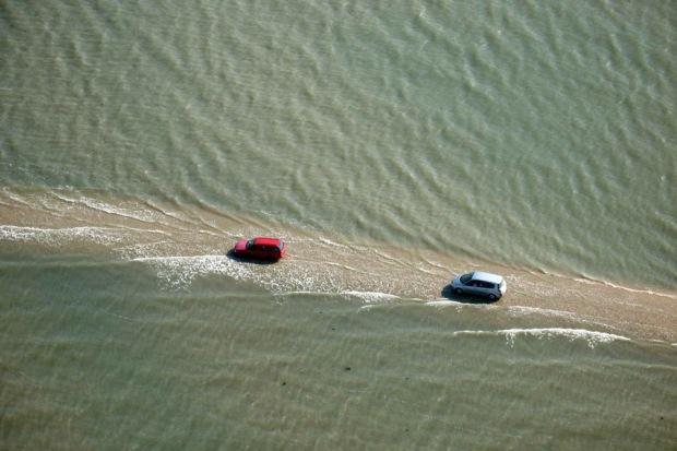 Дорога, дважды в сутки уходящая под воду  A1