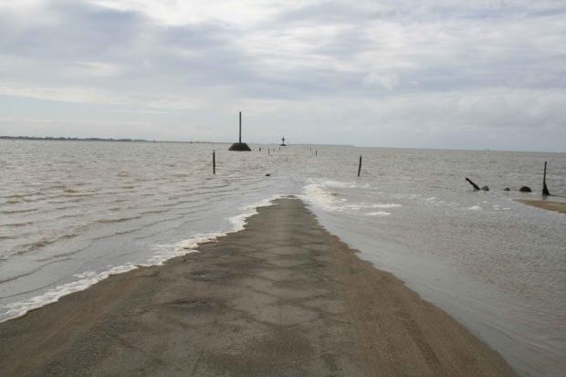 Дорога, дважды в сутки уходящая под воду  A3