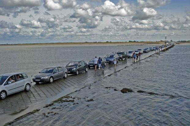 Дорога, дважды в сутки уходящая под воду  A5