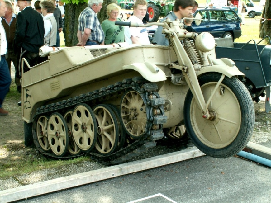 ТЕХНИКА ПРОШЛОГО. Немецкий гусеничный мототягач  1_003