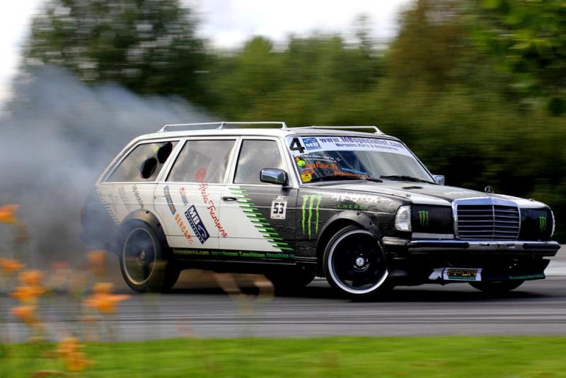 Самый народный Mercedes  010