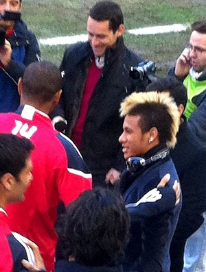 OT: Nerman has deceived us - Page 26 Neymar_henry_rep_60