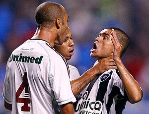 Revolta com a arbitragem toma conta do Bota após empate com o Flu Mariano_marcelocordeiro_ae_30