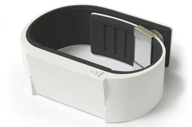 Relógio de pulso 'silencioso' tem visor touchscreen e carregador via USB White_grande