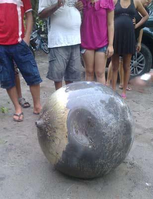 Moradores de povoado no Maranhão dizem que objeto caiu do céu  Objeto