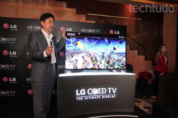 LG lança primeira TV OLED curvada no Brasil por preço 'assustador' Oled-3