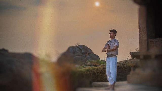Salute to the Sun ~ Benefits of Surya Namaskar Yoga Surya-namaskar-3e