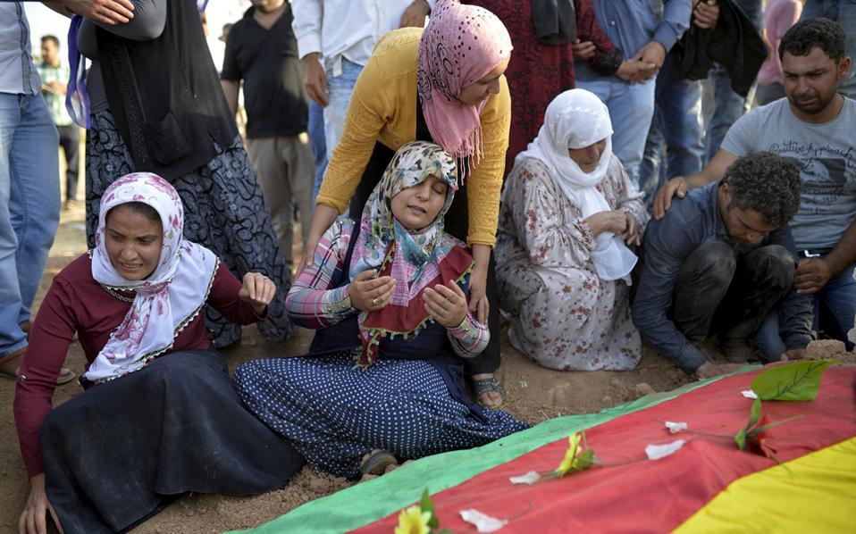 Τούρκος 20 ετών ο φερόμενος δράστης της επίθεσης στην Σουρούτς AFP, ΑΠΕ-ΜΠΕ Relatives-of-thumb-large