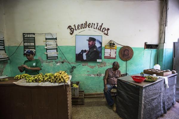 Fidel Castro. Comerciantes-cubanos-cuba