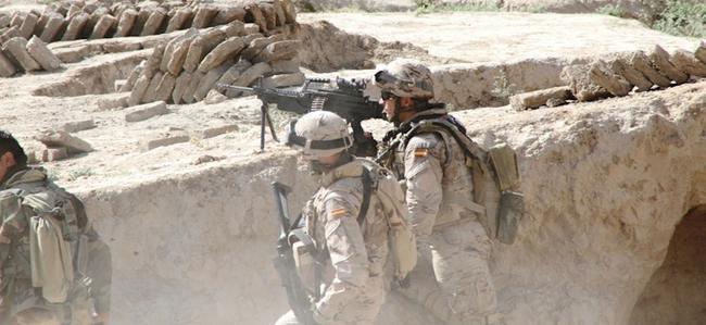 EJÉRCITO DE TIERRA ESPAÑOL - Página 2 Defensa-militares-espanoles-afganistan-041012-01