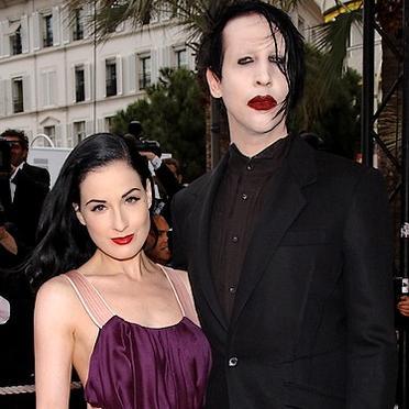 Marilyn Manson People-dita-von-teese-et-marilyn-manson-2444275_1350