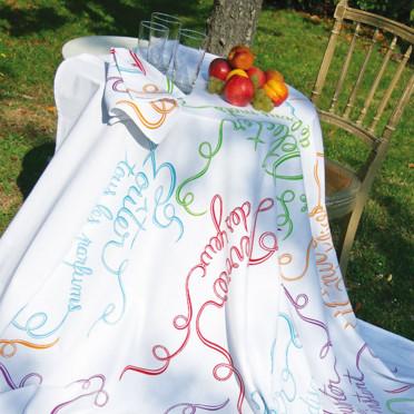 Coup de coeur pour les nouveautés ensoleillées de Fragonard Nappe-rubans-gourmands-fragonard-4350575ausvd_1350
