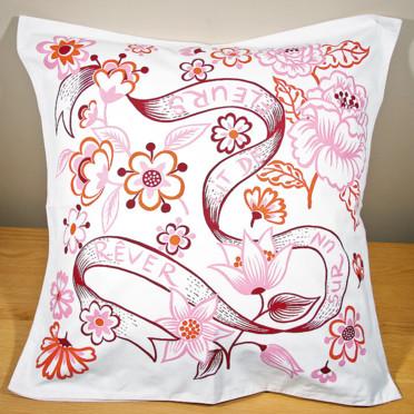 Coup de coeur pour les nouveautés ensoleillées de Fragonard Taie-d-oreiller-dormir-sur-un-lit-de-fleurs-fragonard-4350580attck_1350