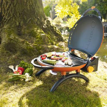 Nouveautés pour l'été : des barbecues mobiles très design Le-barbecue-a-gaz-o-grill-jardiland-4461980xbthl_1350