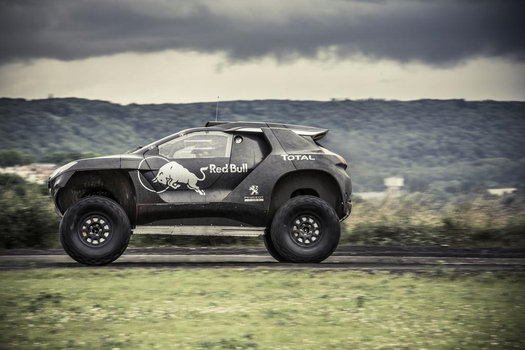 Le retour de Peugeot au Paris-Dakar Peugeot-2008-dkr-2015-dakar-06-11204508twveq