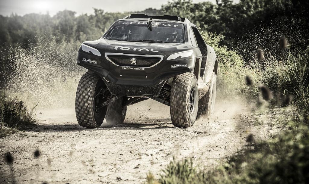 Le retour de Peugeot au Paris-Dakar Peugeot-2008-dkr-2015-dakar-08-11204510fsssr