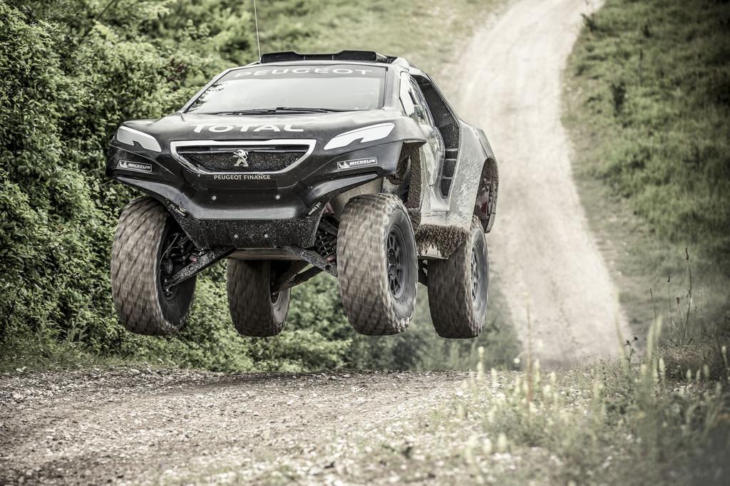 Le retour de Peugeot au Paris-Dakar Peugeot-2008-dkr-2015-dakar-10-11204512iqurr