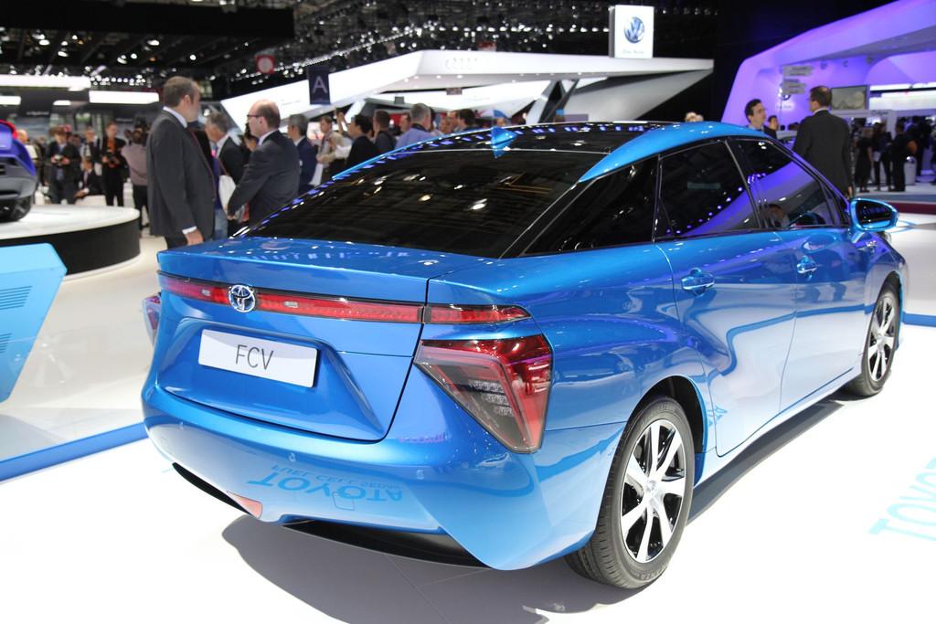 2015 - [Toyota] FCV / Mirai - Page 3 Img-0686-resultat-11275963thahm