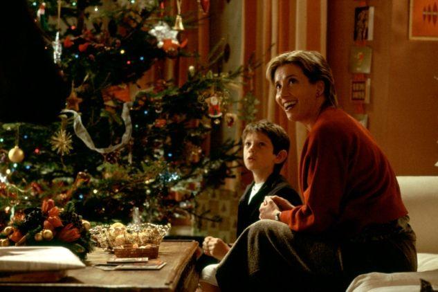 Noël sur le petit et le grand écran Uid_c6e2424f9580e54ce19409dc75f8ef191228816064723_width_633_play_0_pos_3_gs_0