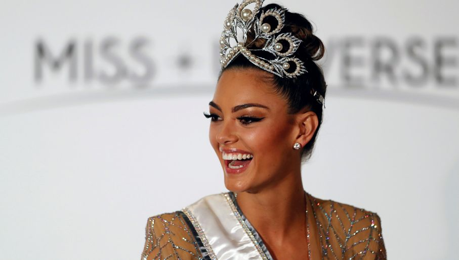 ♔ The Official Thread of MISS UNIVERSE® 2017 Demi-Leigh Nel-Peters of South Africa ♔ Uid_8db44c4484ecd0320743ee1c92b0d4de1511765632621_width_907_play_0_pos_0_gs_0_height_515