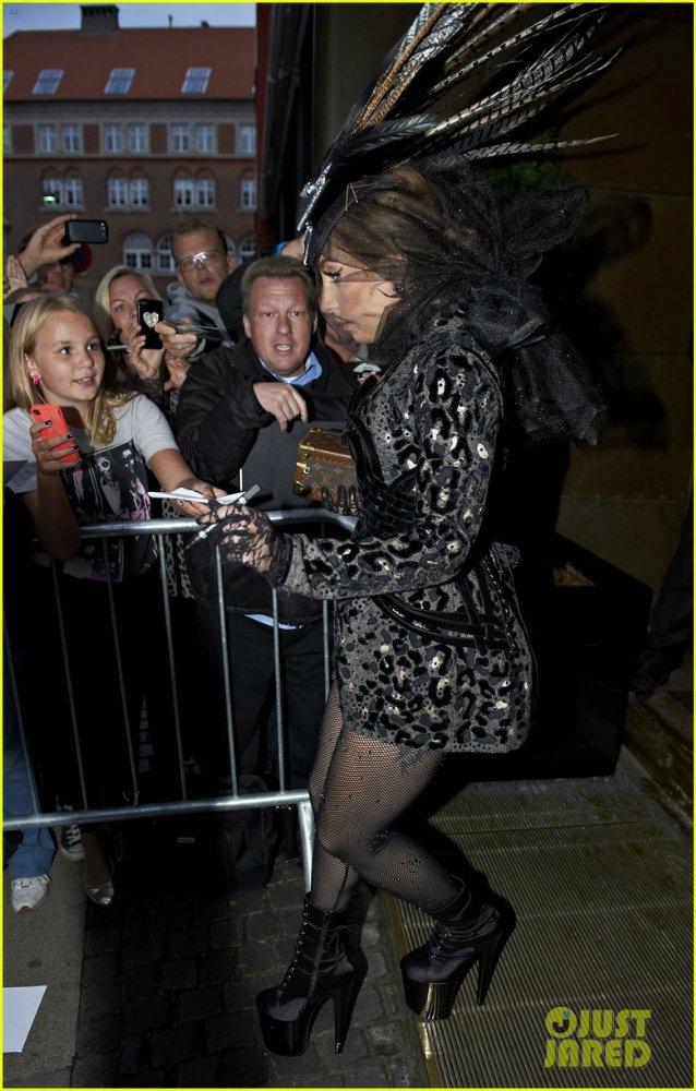 Lady GaGa  - Страница 4 96e49482a85a