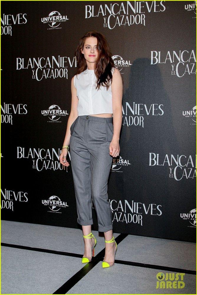 Kristen Stewart - Страница 3 B214102aa12c