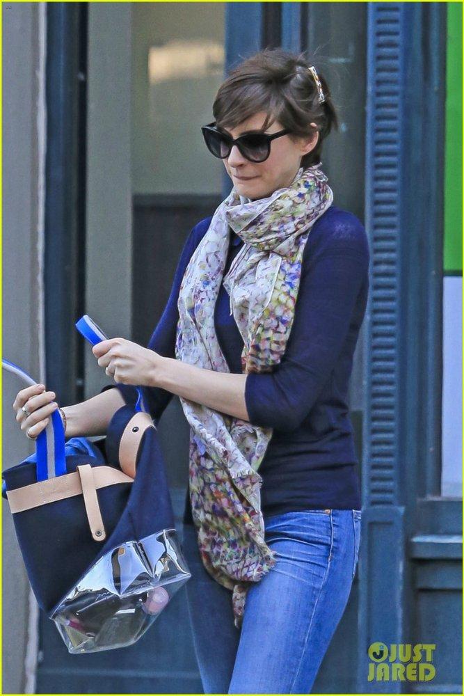 Anne Hathaway/Энн Хэтэуэй - Страница 9 8d881fab4b02